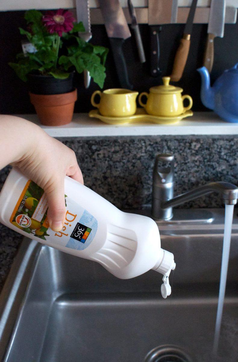 10-modi-per-eliminare-cattivi-odori-lavello-11