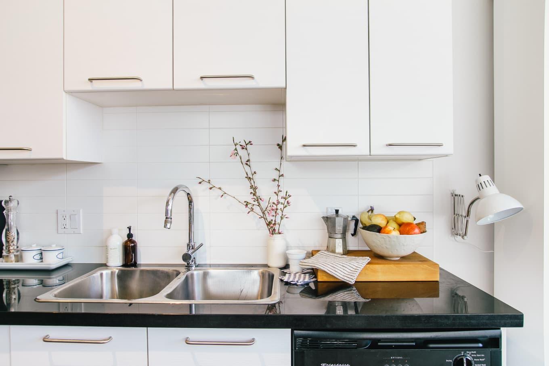 come-eliminare-cattivi-odori-in-cucina-1