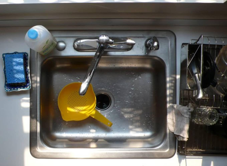 come-eliminare-cattivi-odori-in-cucina