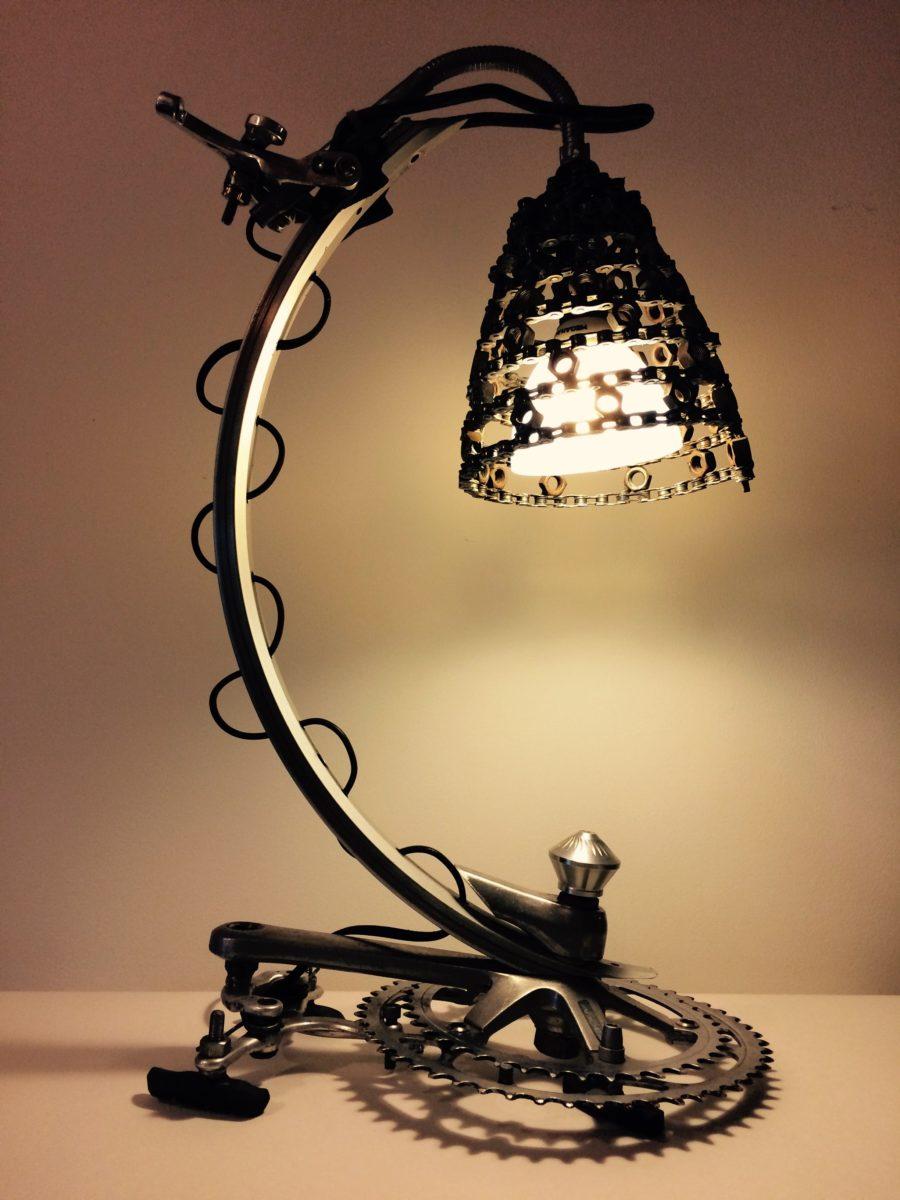 riciclare-bici-lampada-originale