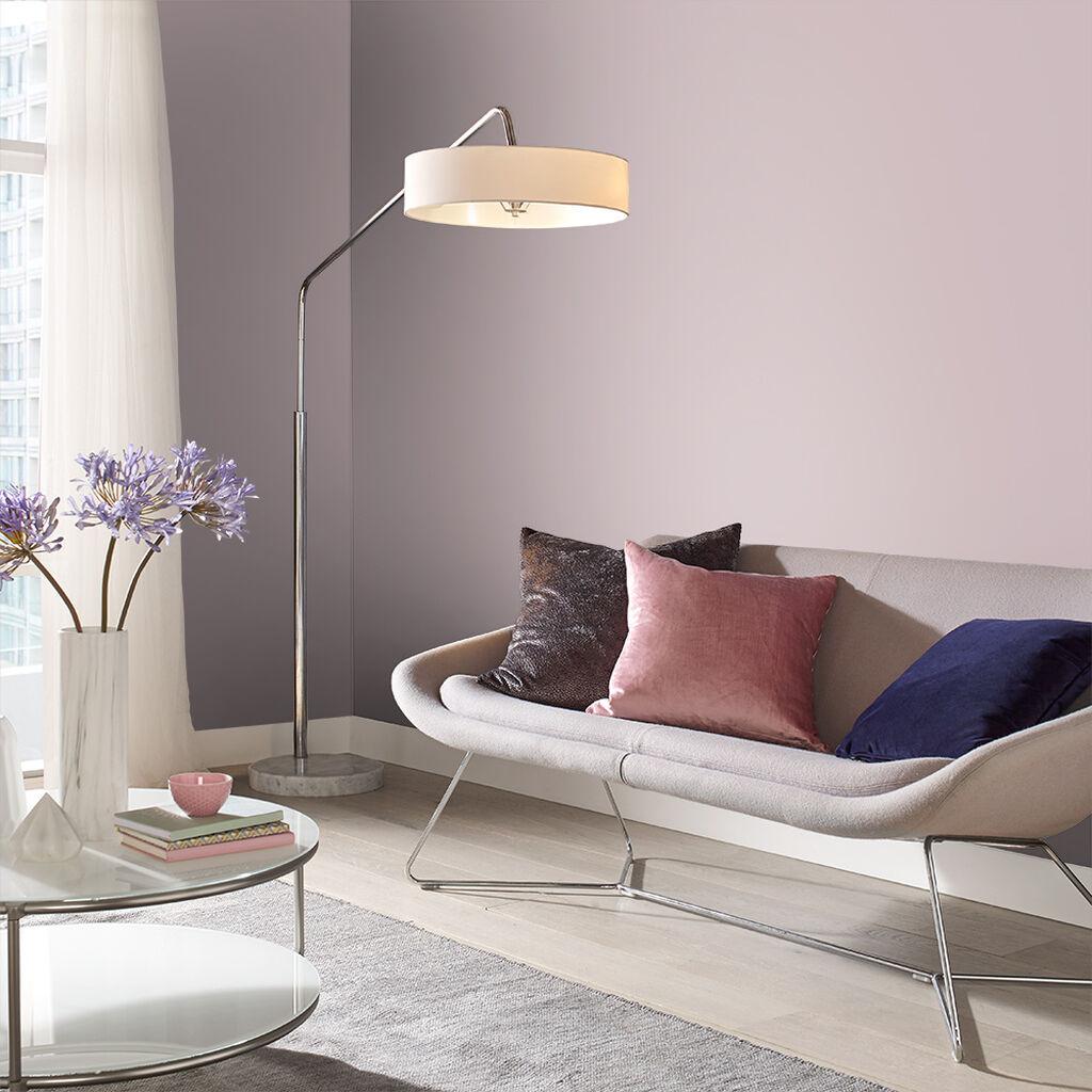 soggiorno-color-lavanda-parete