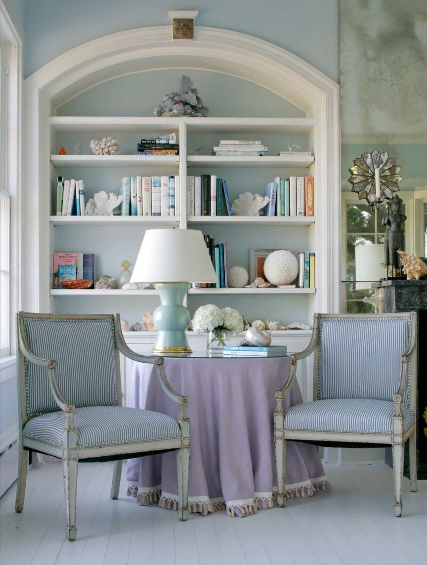 soggiorno-color-lavanda-rustico-antico