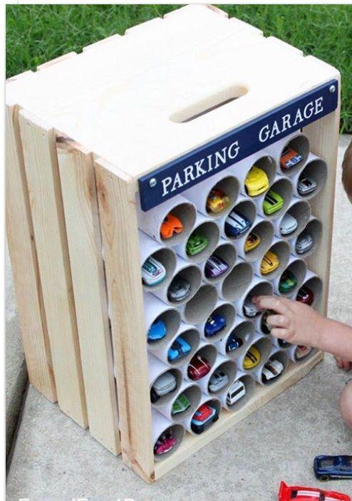 riutilizzare-rotoli-carta-igienica-garage-auto