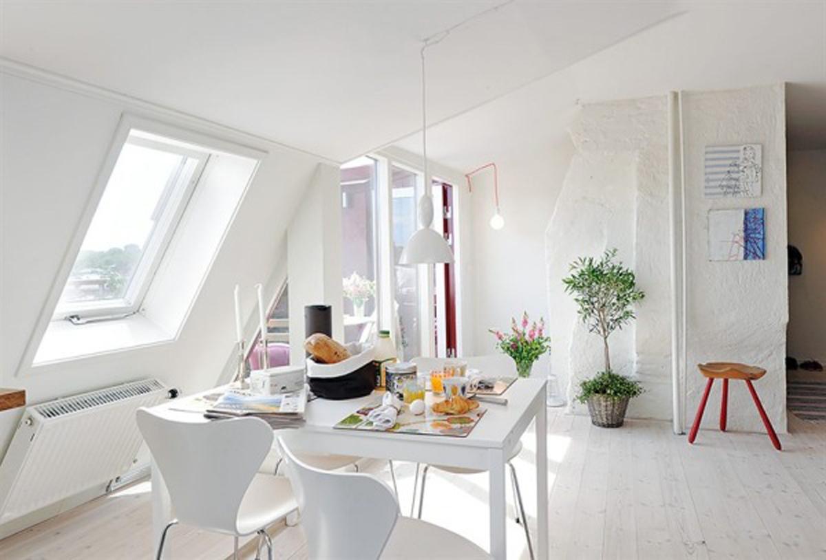 soggiorno-total-white-mansarda