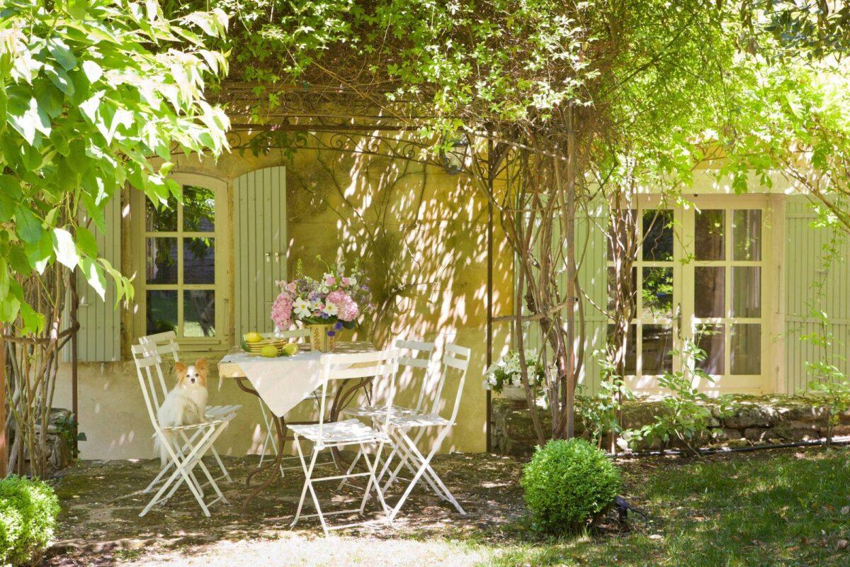 arredare-giardino-stile-provenzale-1