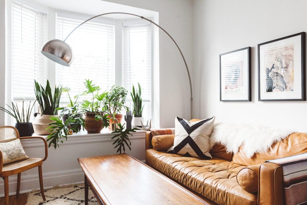 Come illuminare cucina con soggiorno a vista: tre ispirazioni