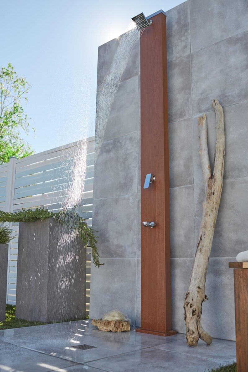 leroy-merlin-doccia-solare-effetto-legno
