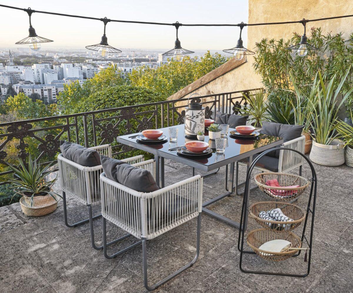 maisons-du-monde-estate-2020-cestini-in-metallo-nero-e-rattan