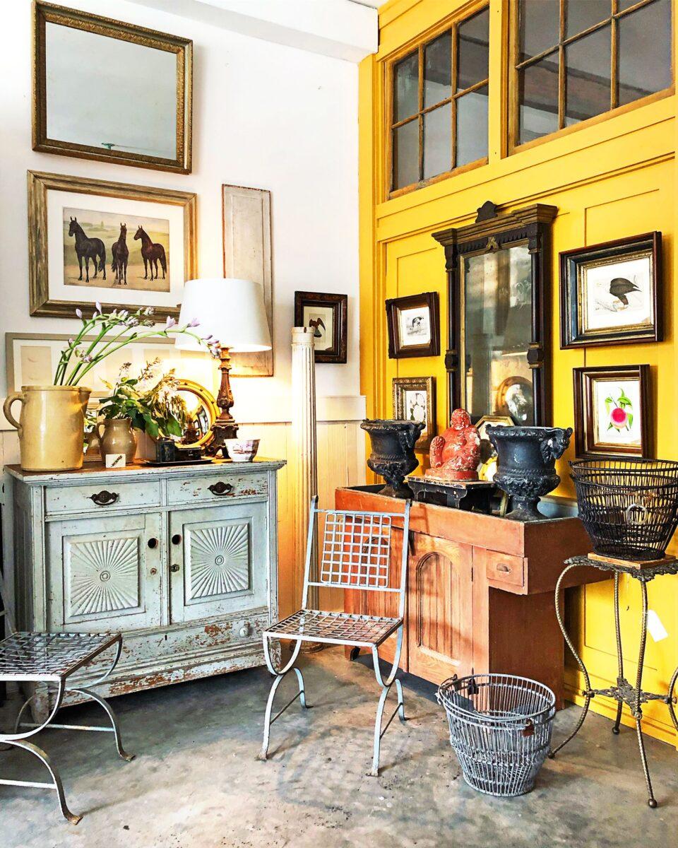 soggiorno-color-giallo-limone-vintage