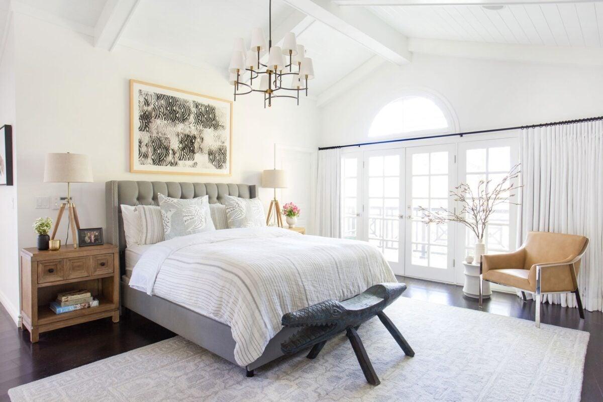 camera-da-letto-classica-bianca