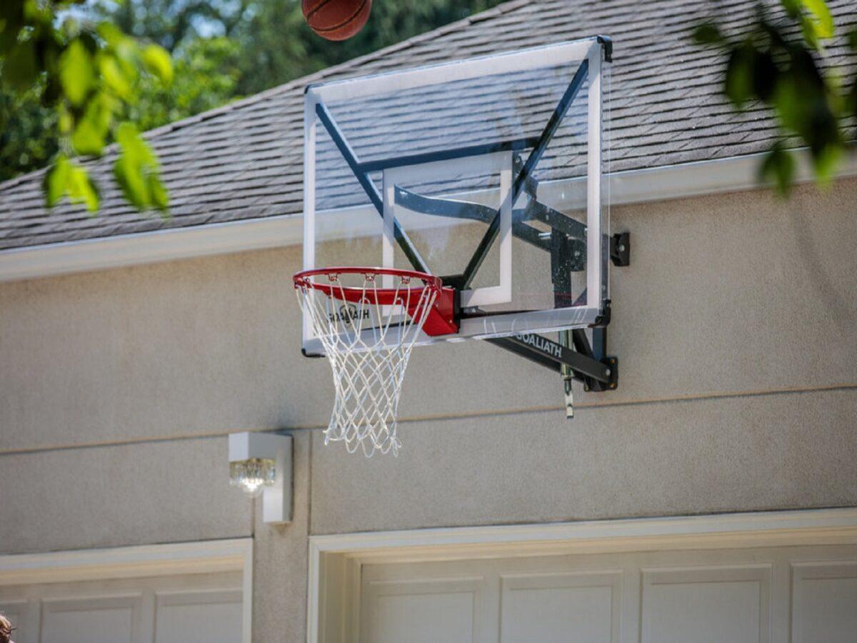 canestro-da-basket-in-giardino