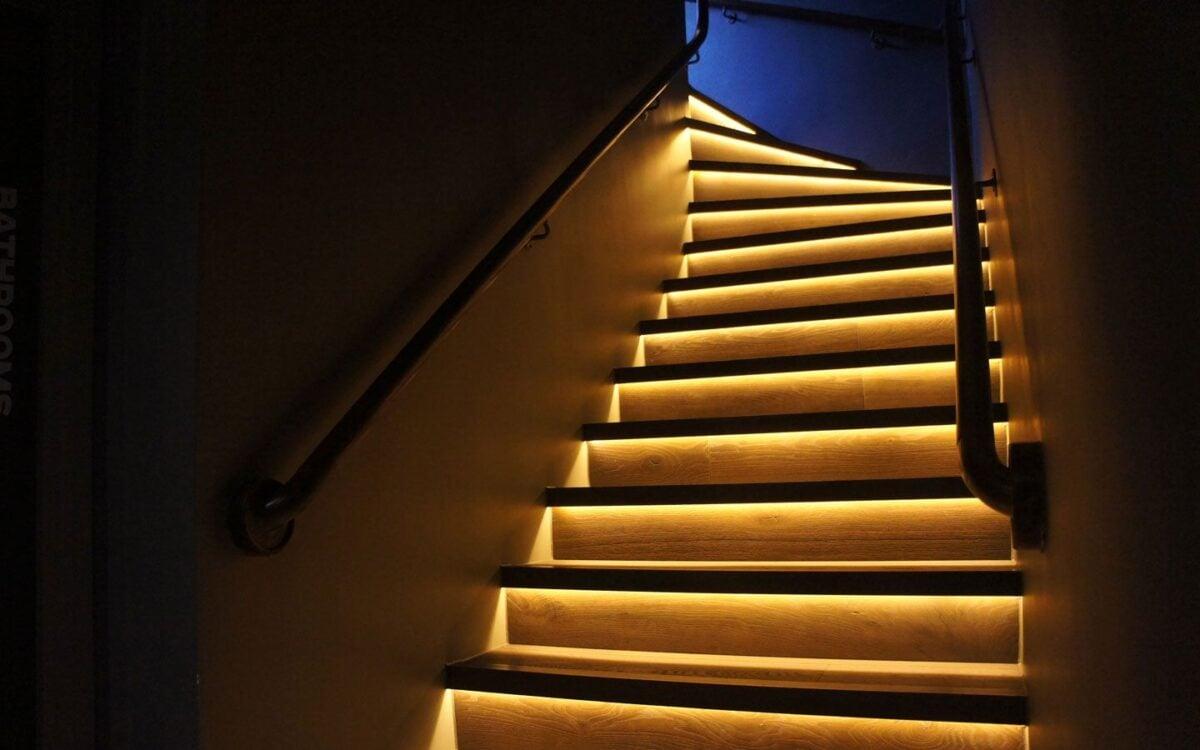 come-illuminare-le-scale-in-casa-04