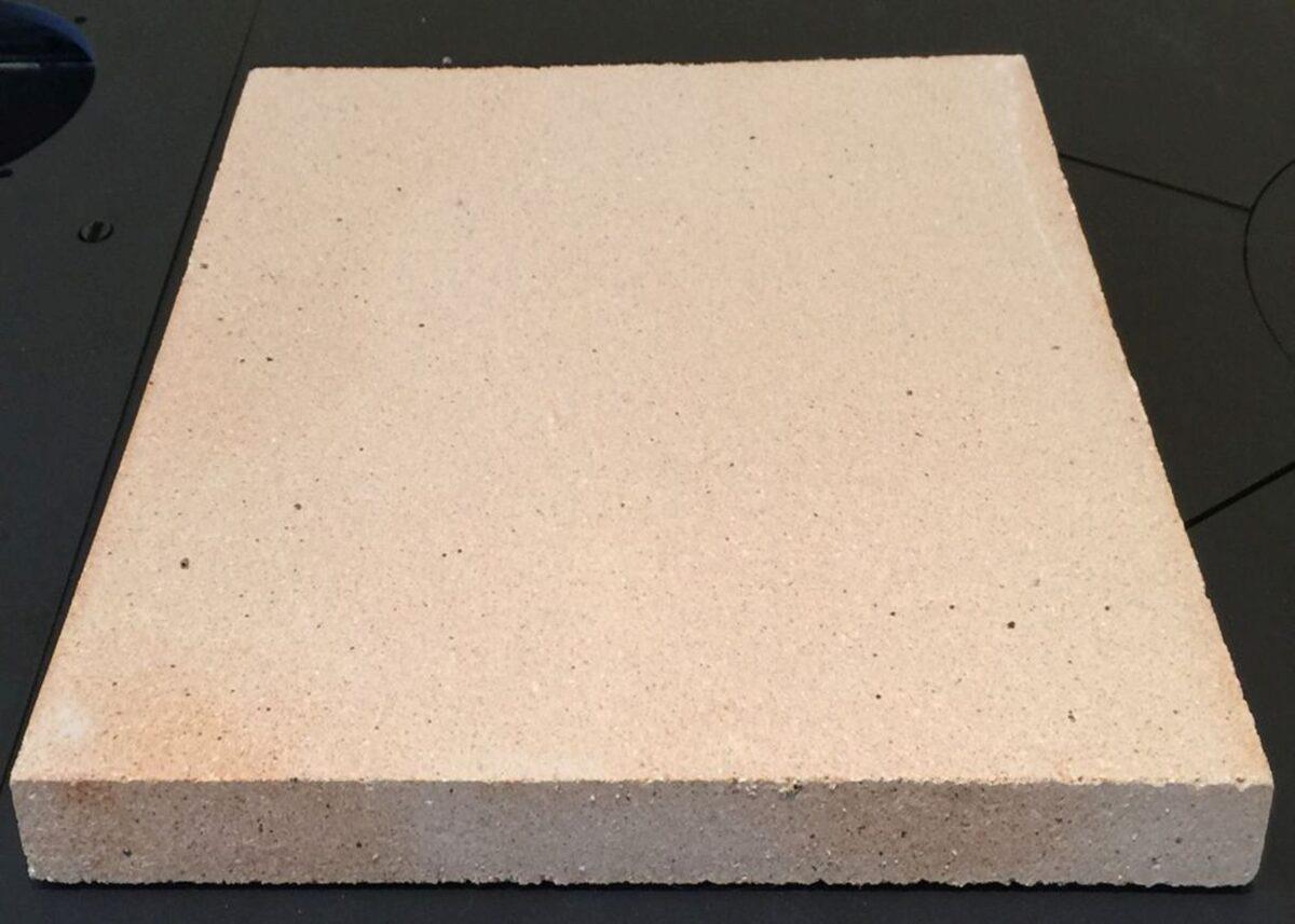 come-pulire-pietra-refrattaria-2
