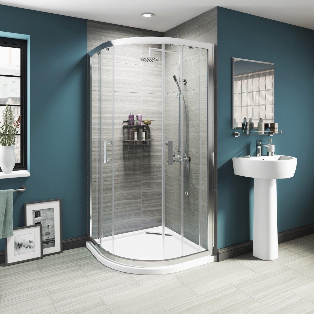 Come scegliere il piatto doccia ideale: 4 consigli per non sbagliare