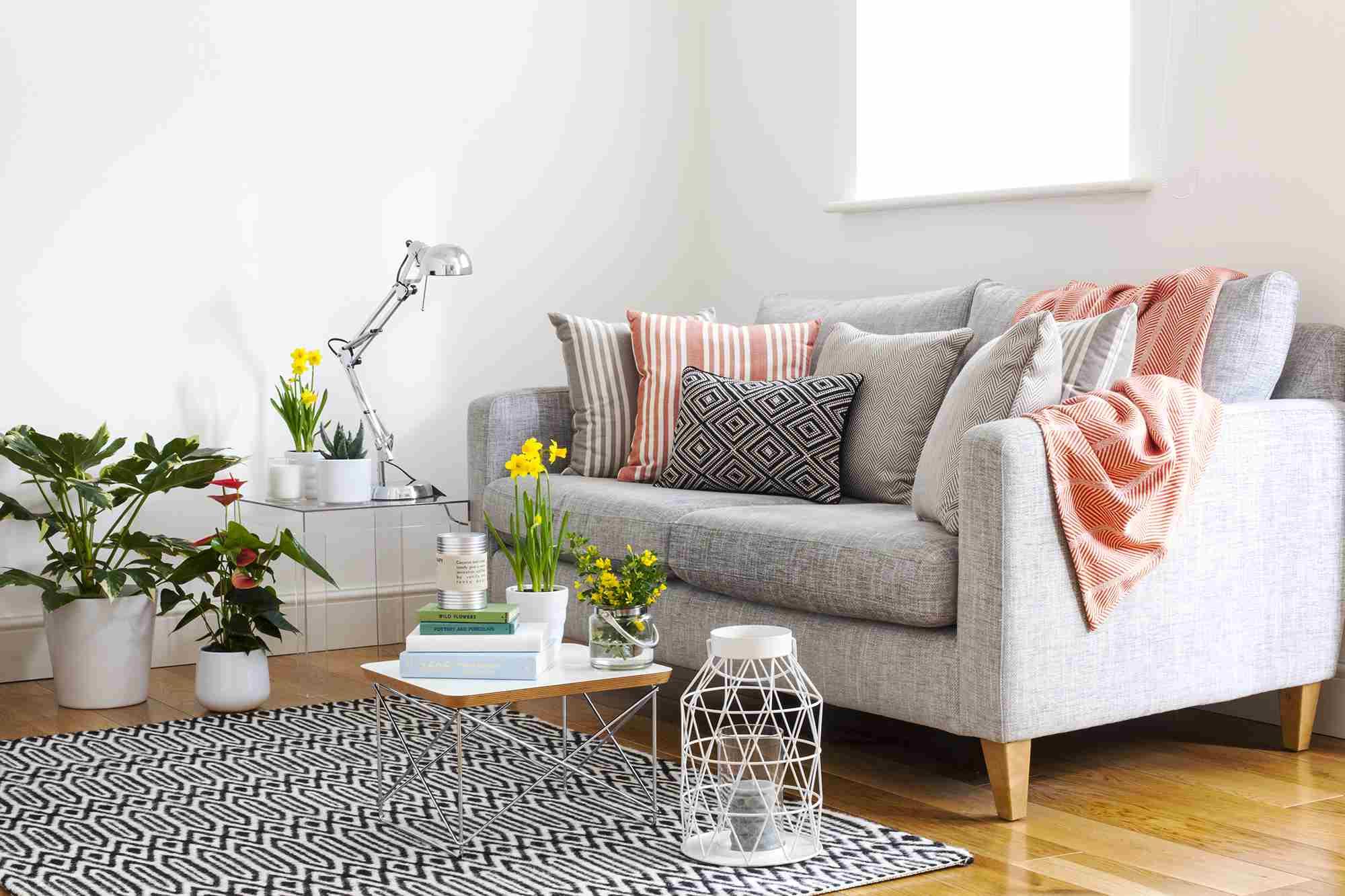 10-idee-abbellire-divano-vecchio-23