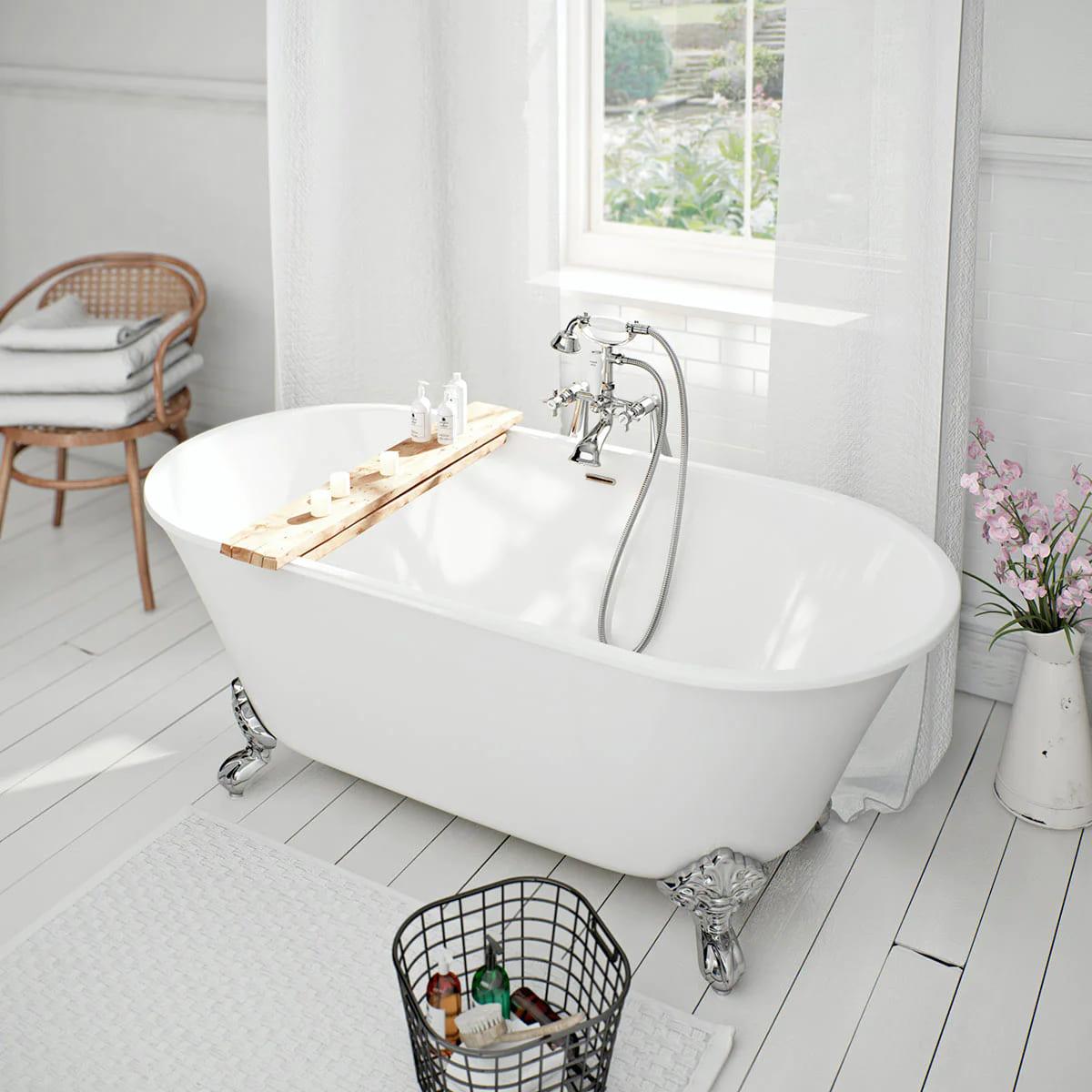 arredare-bagno-quadrato-classico-5