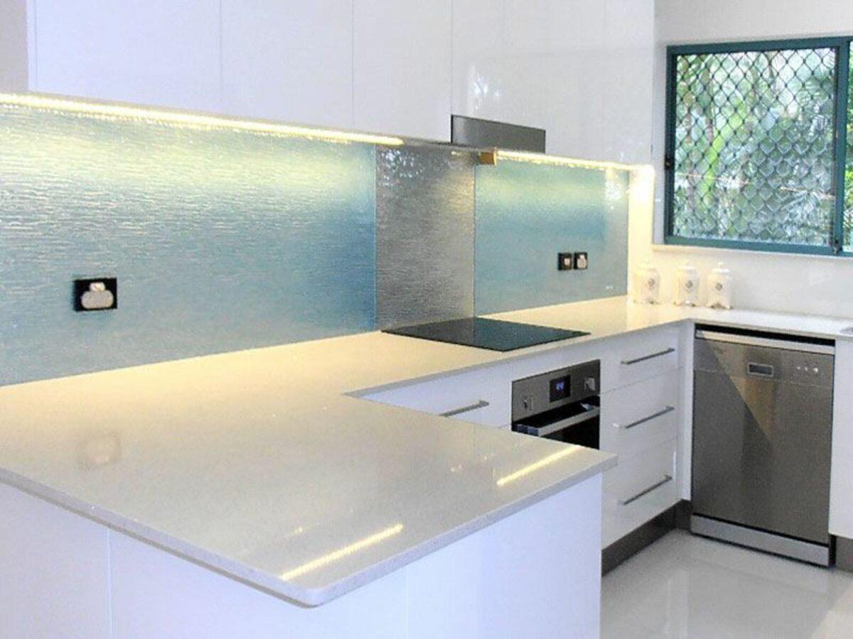 idee-di-paraschizzi-in-cucina-6