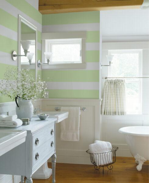 pareti-bagno-a-strisce-1-489×600