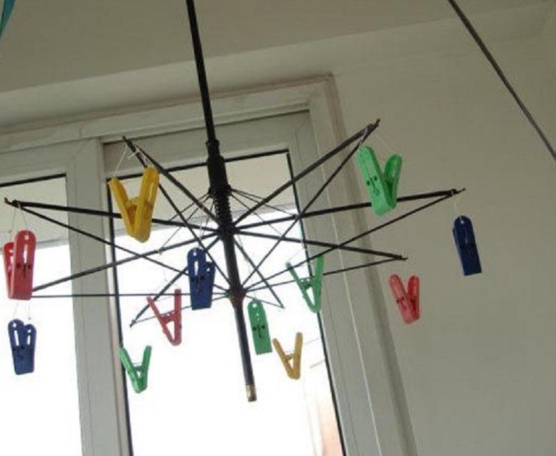 riciclo-ombrelli-stendino2