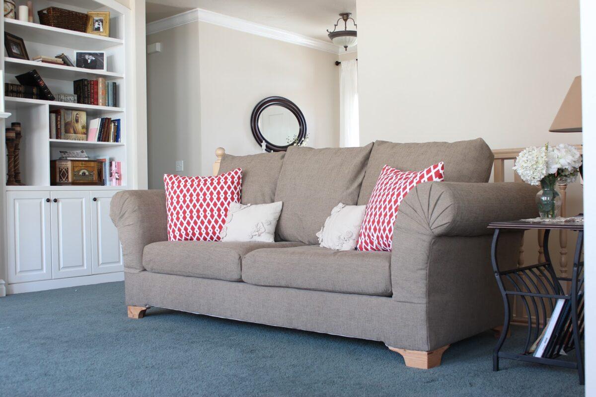 rifare-divano-1