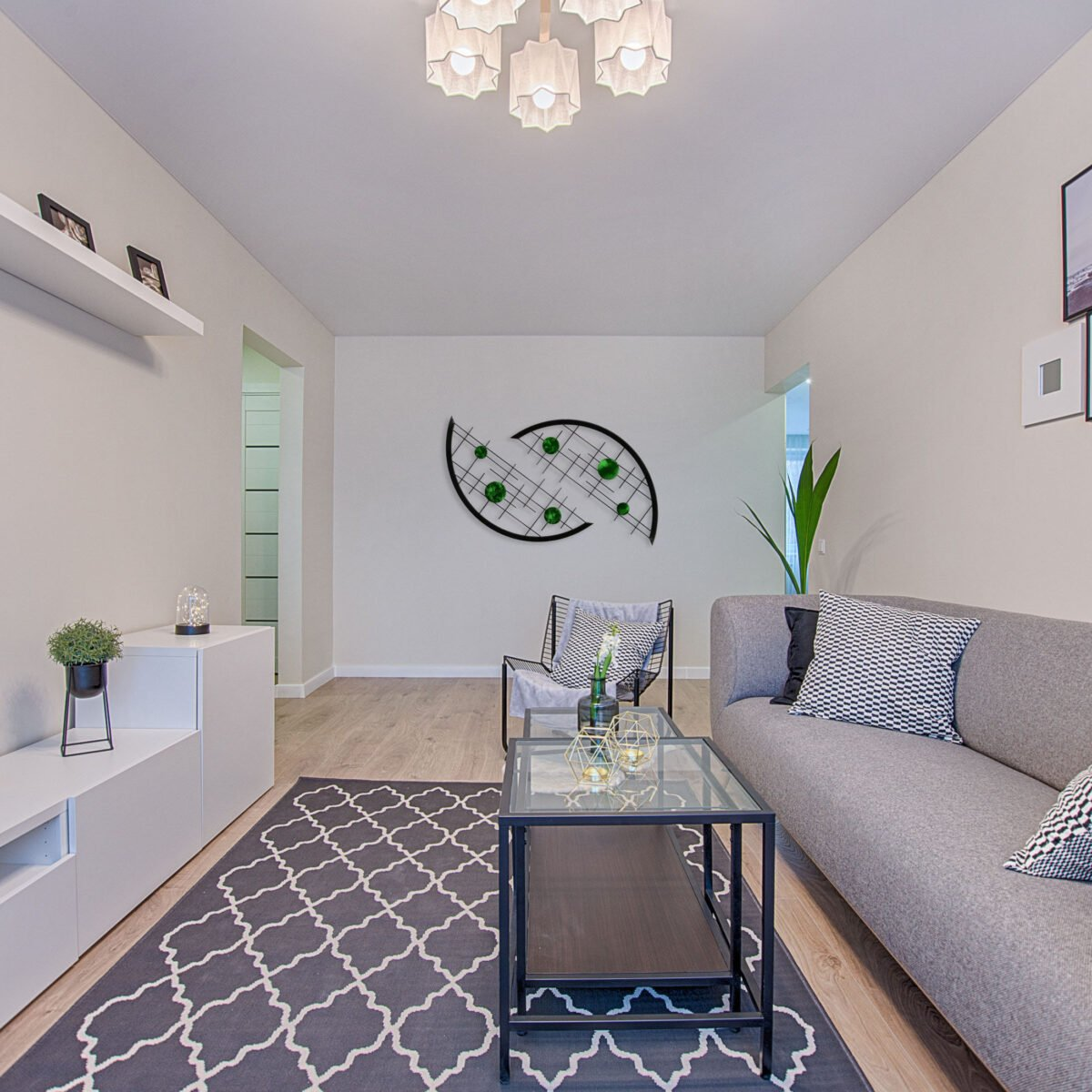 Arcs in Living room