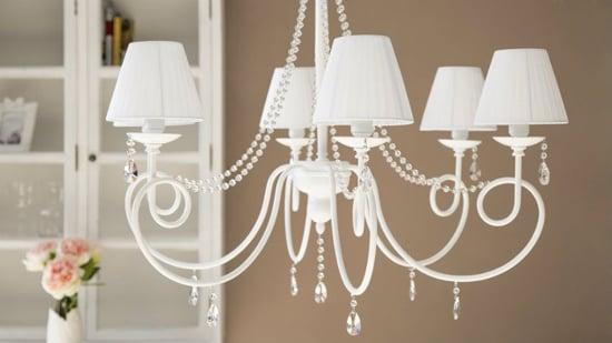soggiorno-shabby-chic-10-elementi-che-non-possono-mancare-lampadario