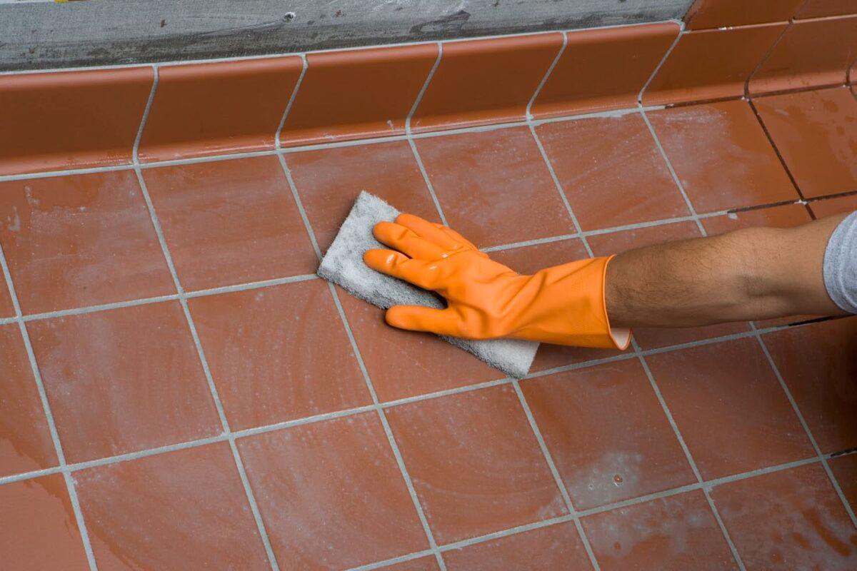 pulire-fughe-pavimento-1