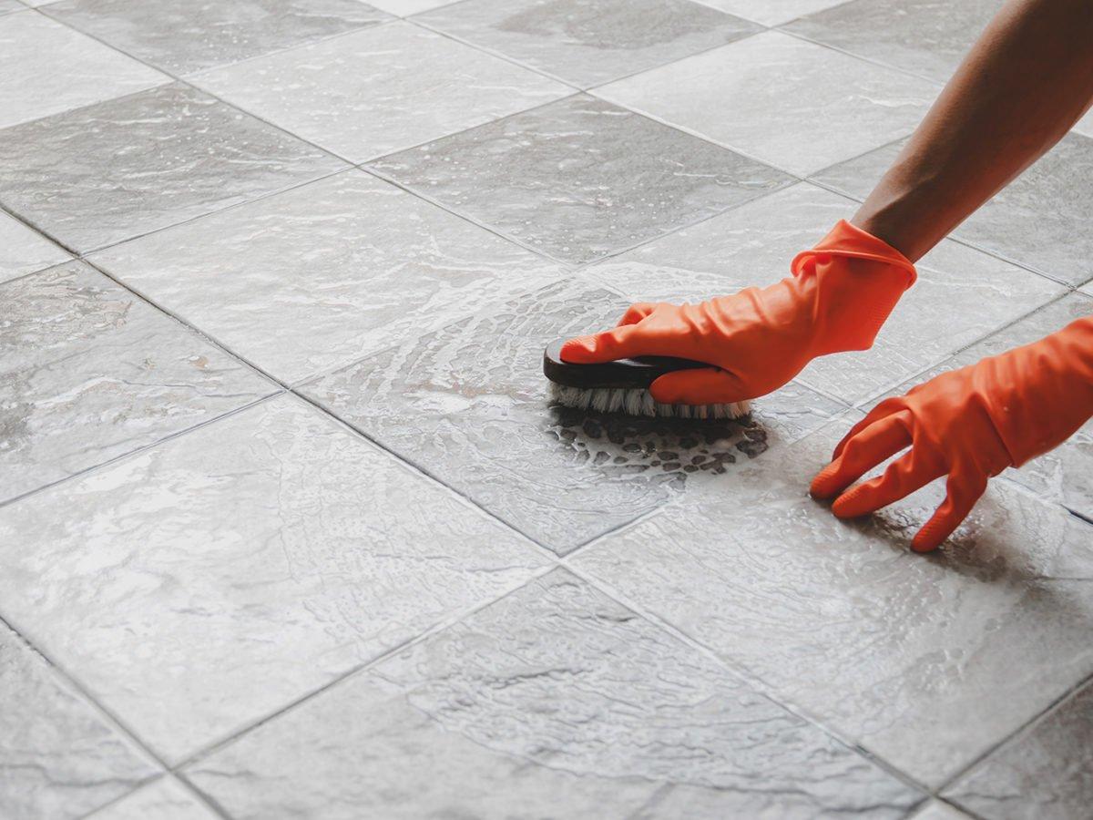 pulire-fughe-pavimento-5
