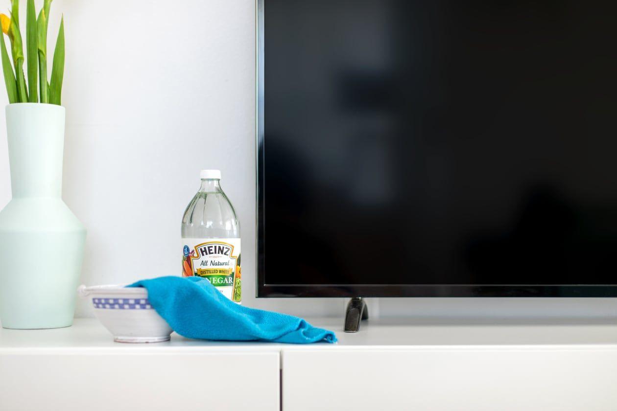 come-pulire-schermo-tv-strumenti