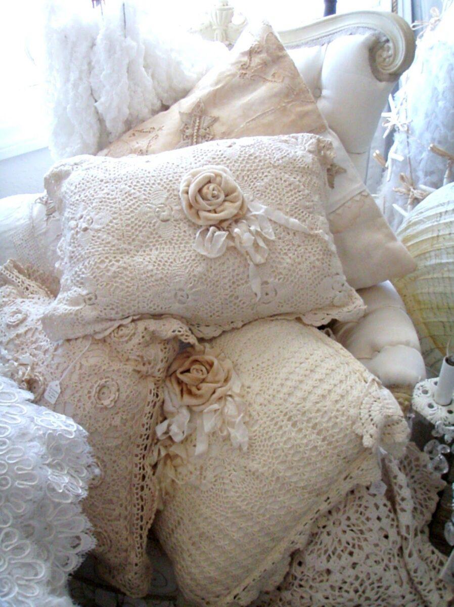decorare cuscini in stile shabby chic 8