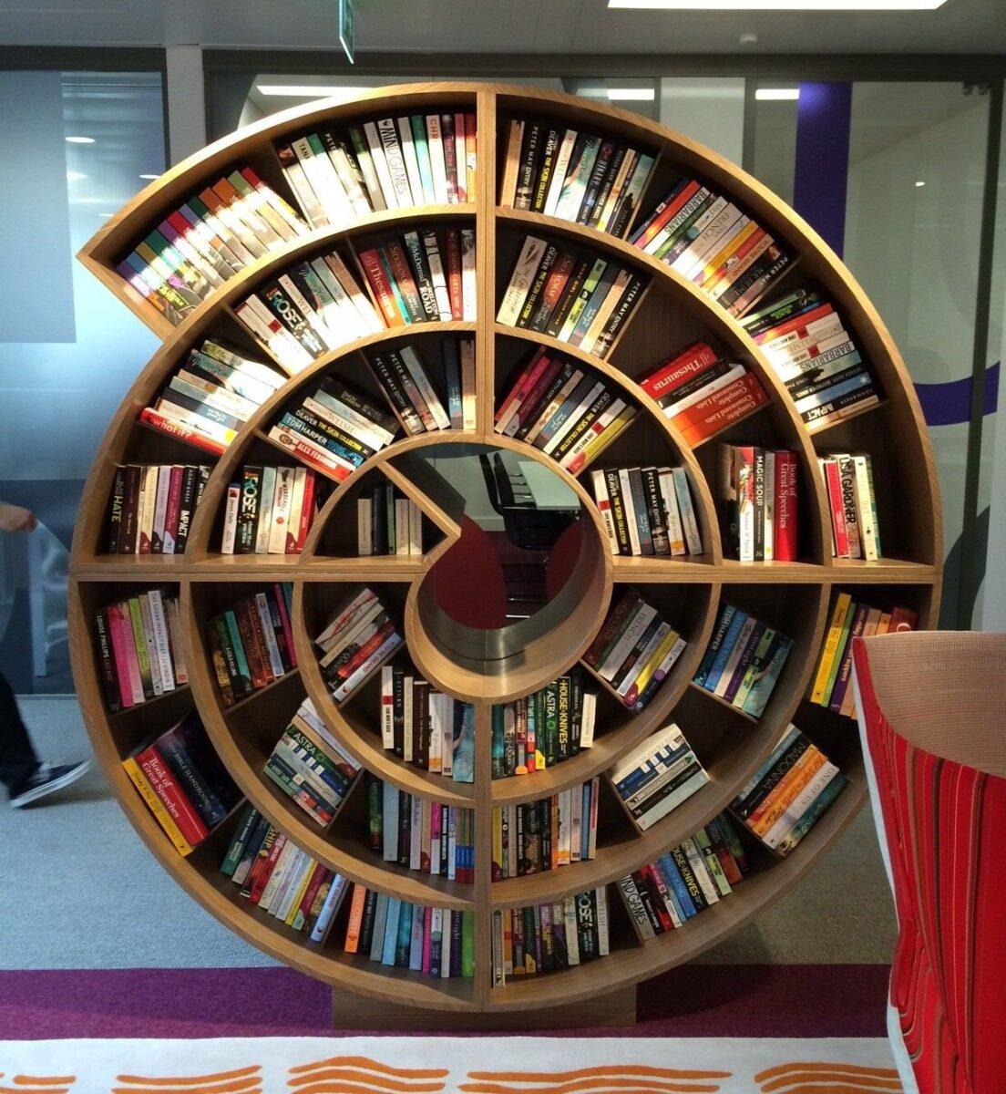 librerie-muro-moderne-chiocciola
