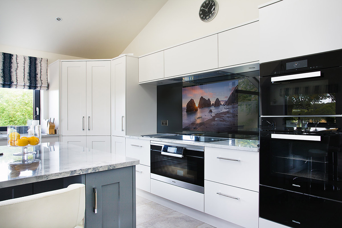Come-e-dove-appendere-la-tv-in-cucina 14