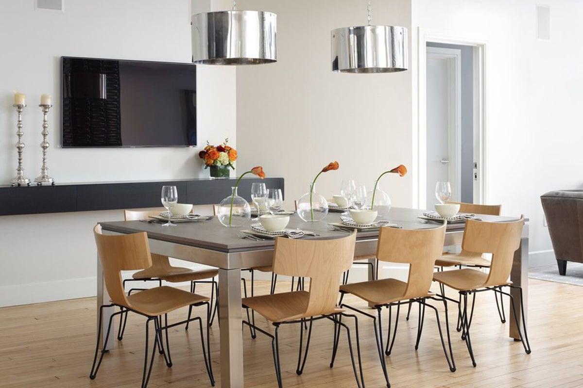 Come-e-dove-appendere-la-tv-in-cucina 16