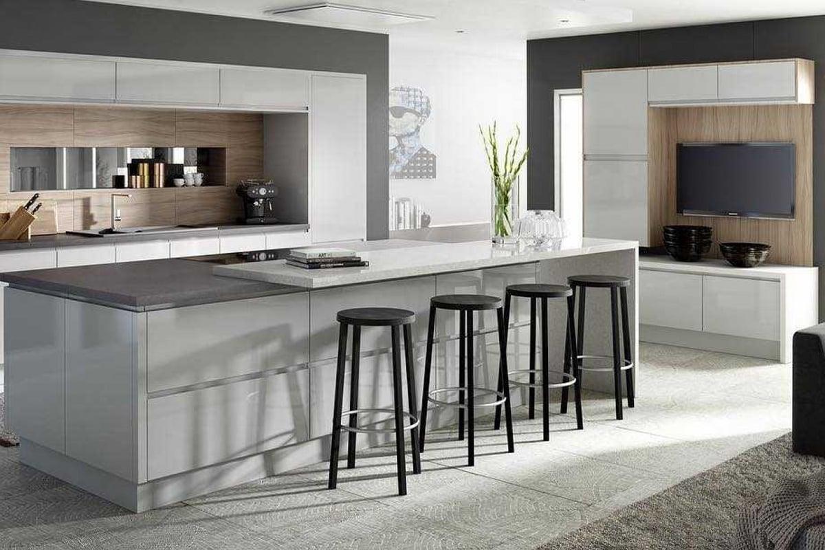 Come-e-dove-appendere-la-tv-in-cucina 5