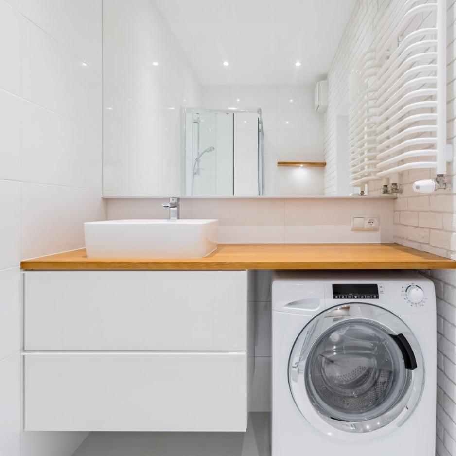 dove-mettere-la-lavatrice-in-un-bagno-rettangolare-1