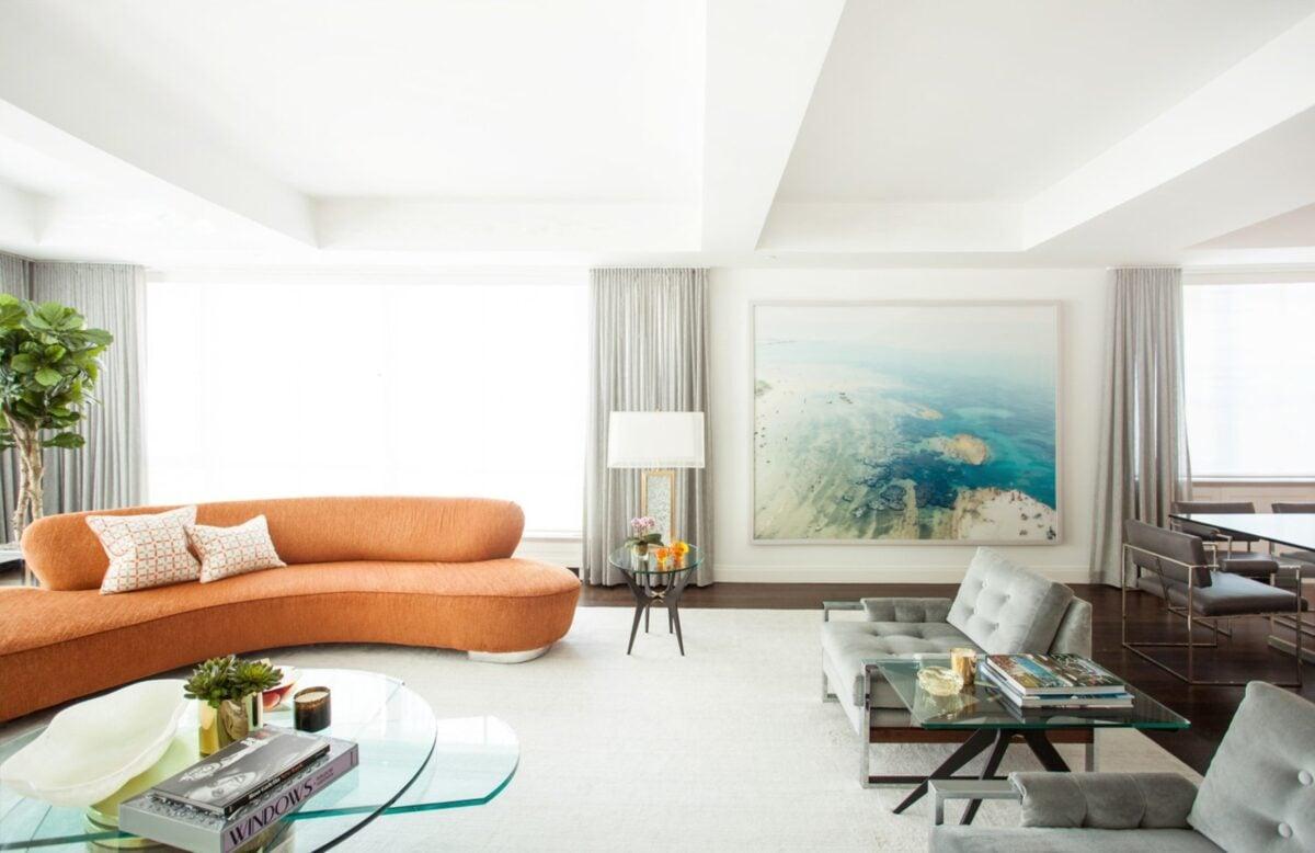 idee-divani-curvi-soggiorno-arancio