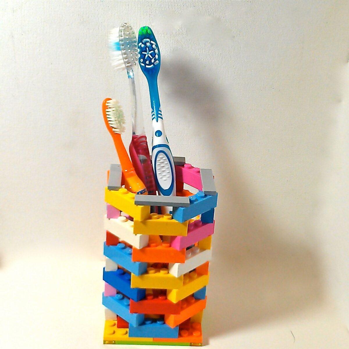 portaspazzolini-fai-da-te-lego