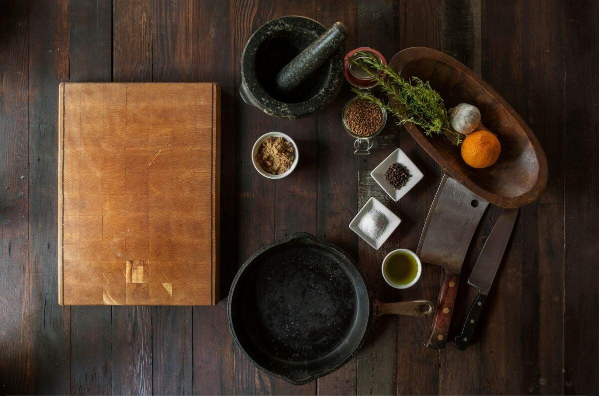 Come-fare-a-pulire-la-cucina-in-legno-2