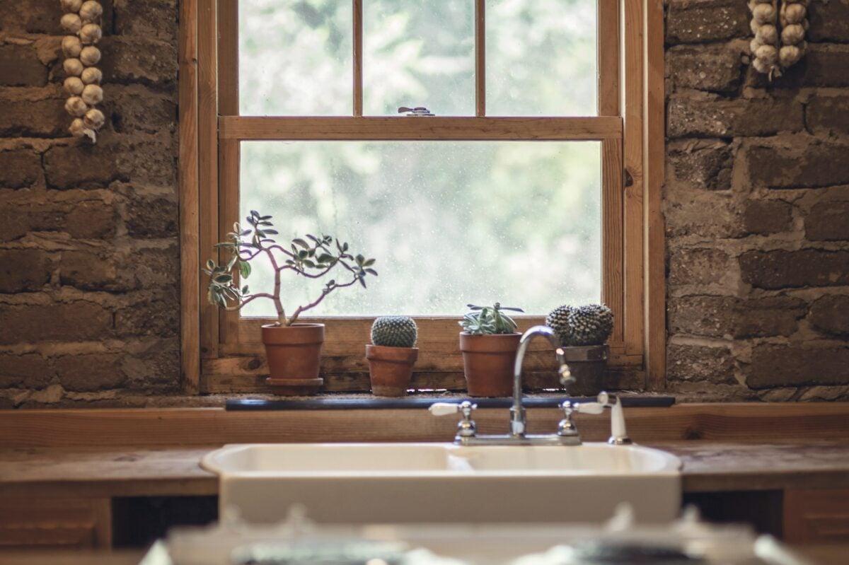 Come-fare-a-pulire-la-cucina-in-legno-3