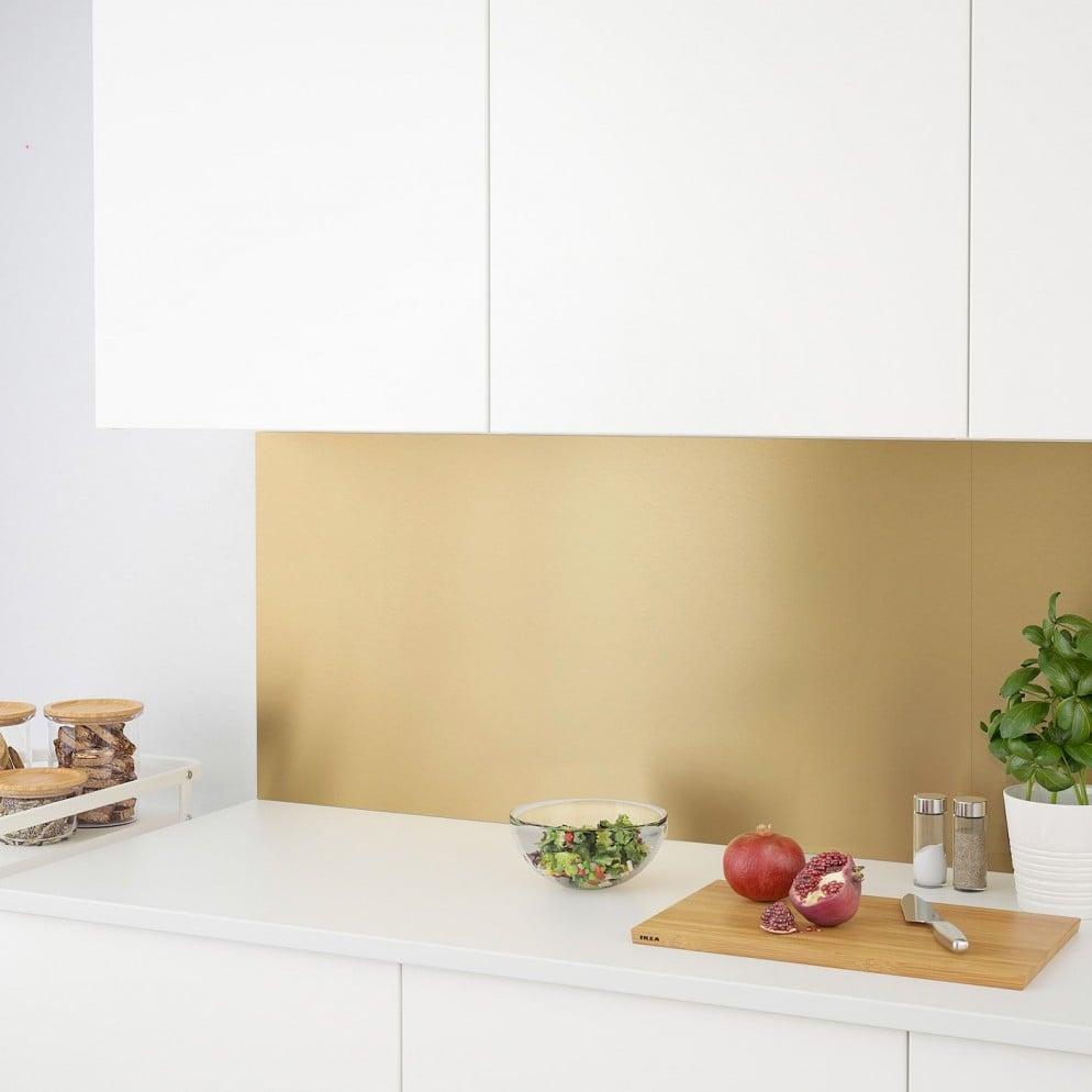 I migliori materiali per la parete antischizzo in cucina (1)