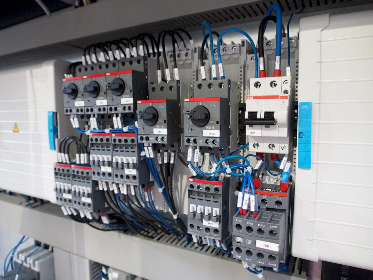 pronto-intervento-elettricista-11