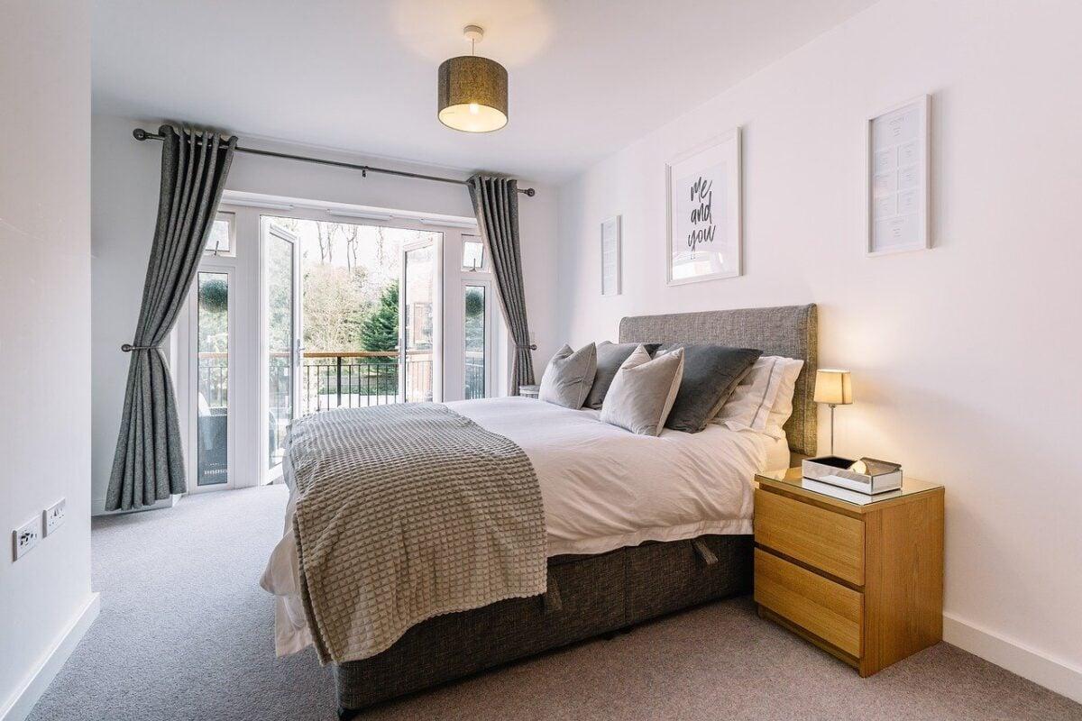 Camera da letto pareti color avorio: sofisticata e preziosa