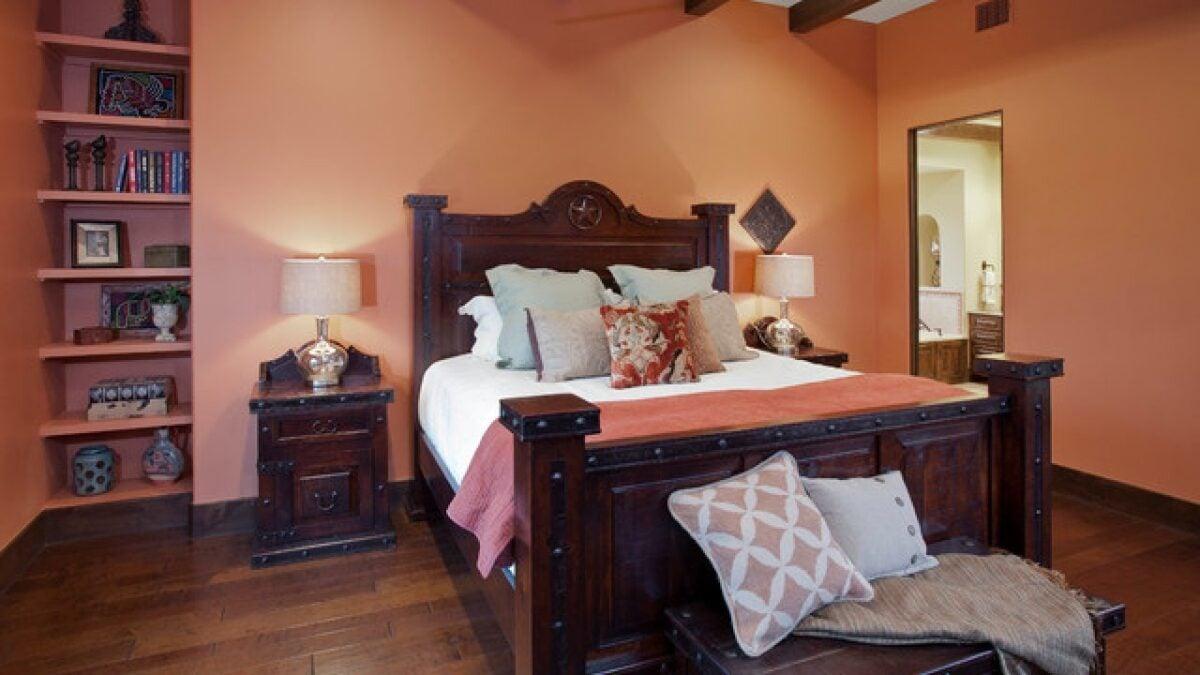 Pareti della camera da letto color albicocca