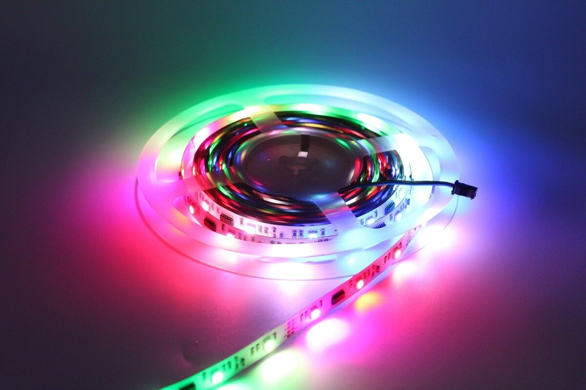 Come evitare di rimanere accecati dalle luci a LED