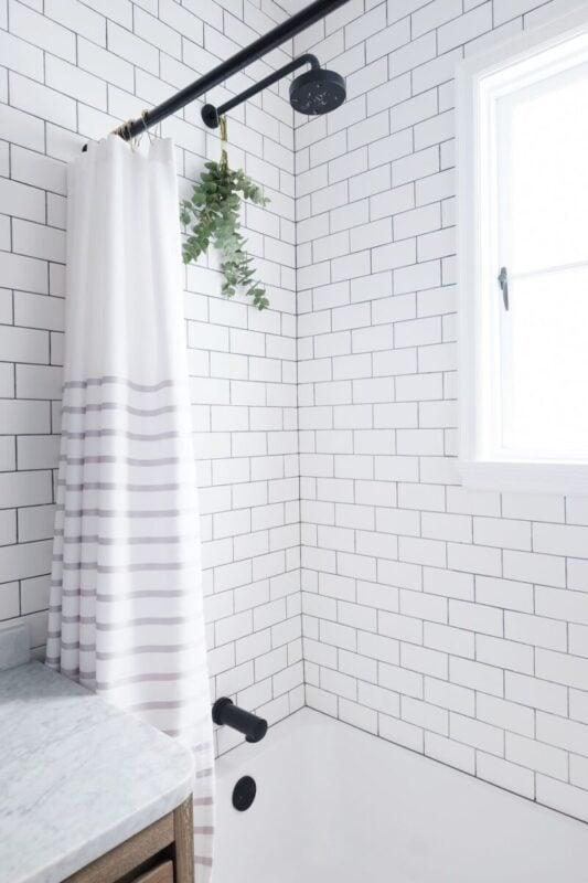 Ristrutturare il bagno in maniera semplice e veloce
