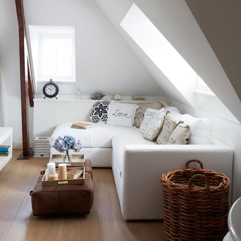 Arredare il soggiorno lungo e stretto: 10 idee
