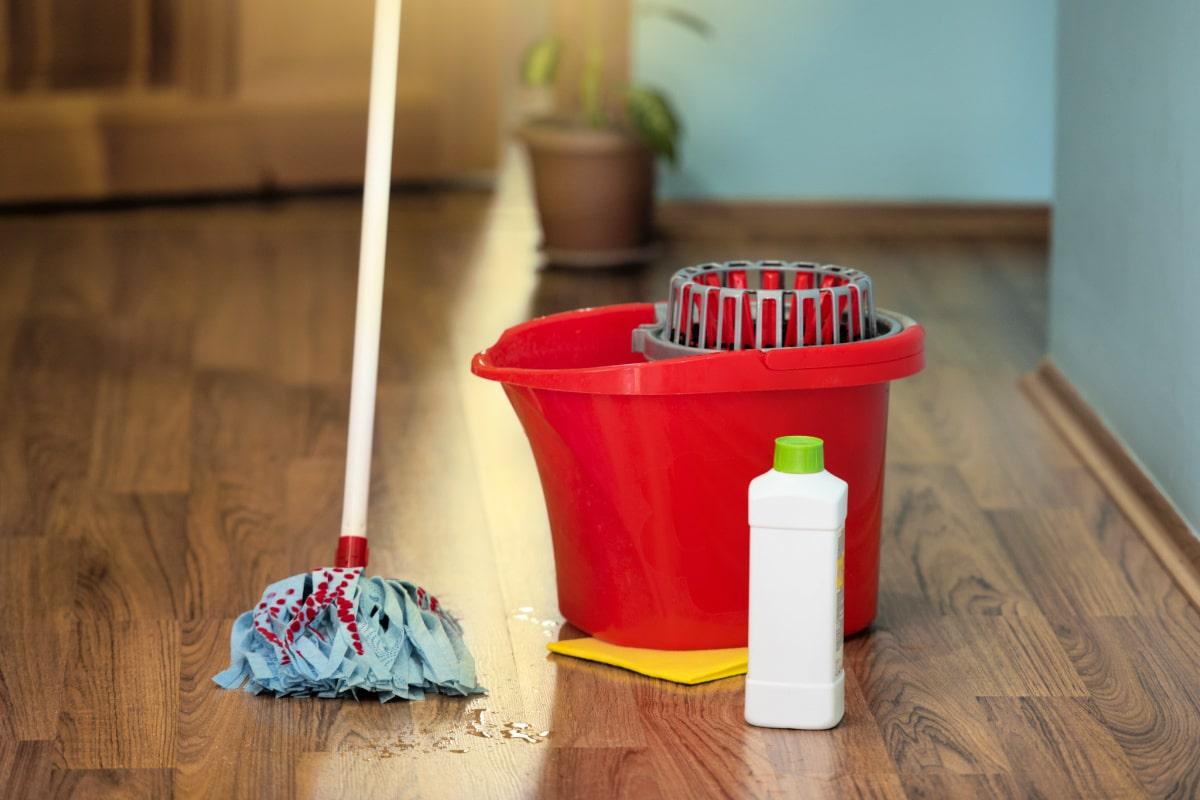 10-trucchi-per-conservare-al-meglio-il-pavimento-della-cucina-1