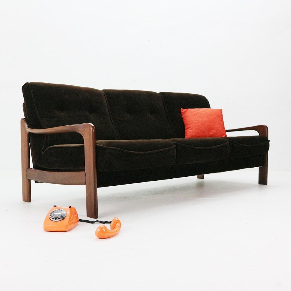 5-mobili-anni-70-in-casa-divano