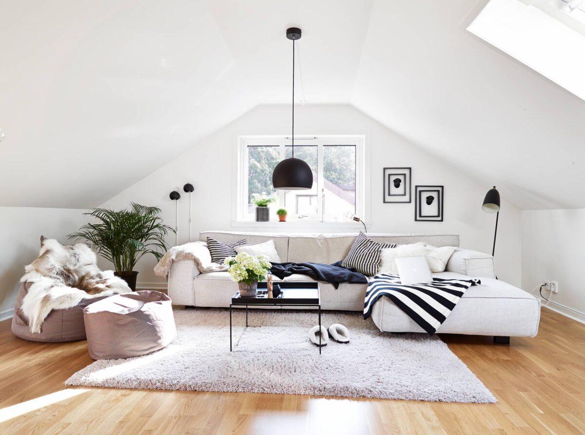 arredare-mansarda-spendendo-poco-soggiorno-1