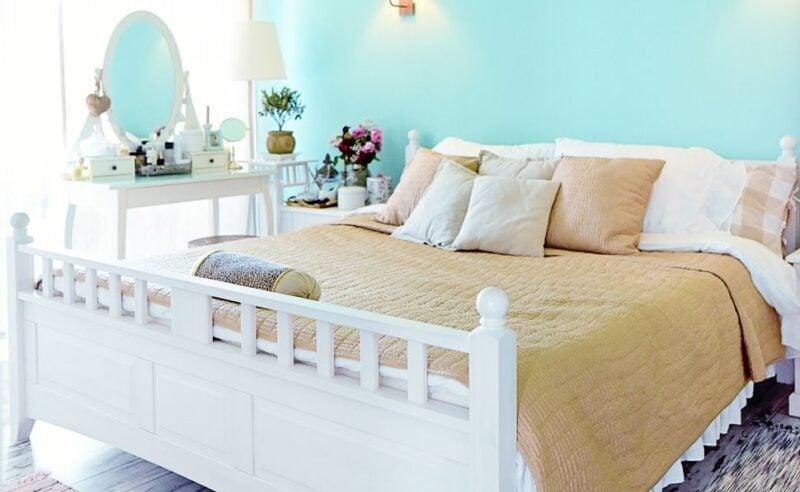 Camera da letto con le pareti color verde menta: 10 soluzioni ideali